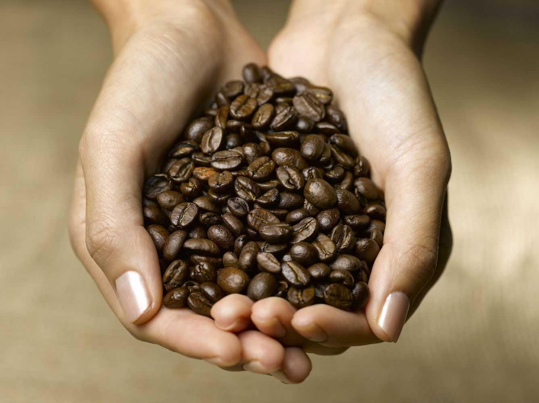 Для обертывания кофейную гущу можно комбинировать с другими ингридиентами